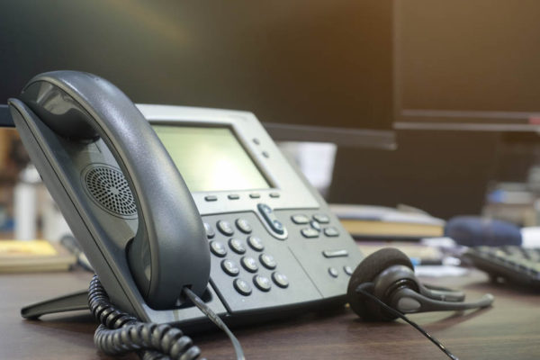 Tips to Choose The Best IP Phone System in Toronto